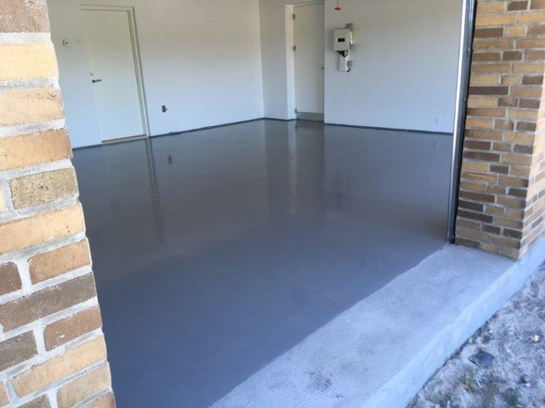 Epoxy gulv, hvid garage