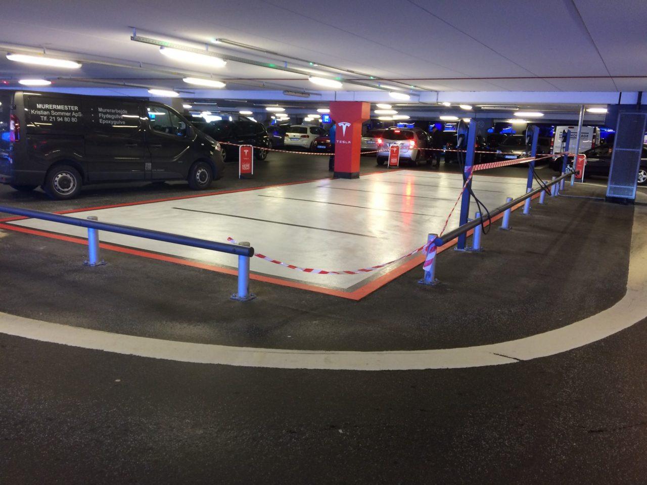 Parkering til Tesla biler