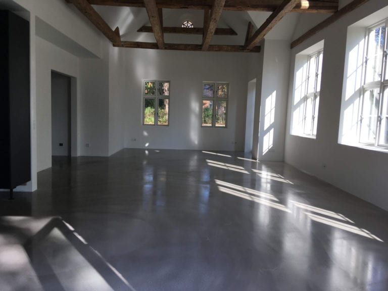 Poleret beton, stort rum